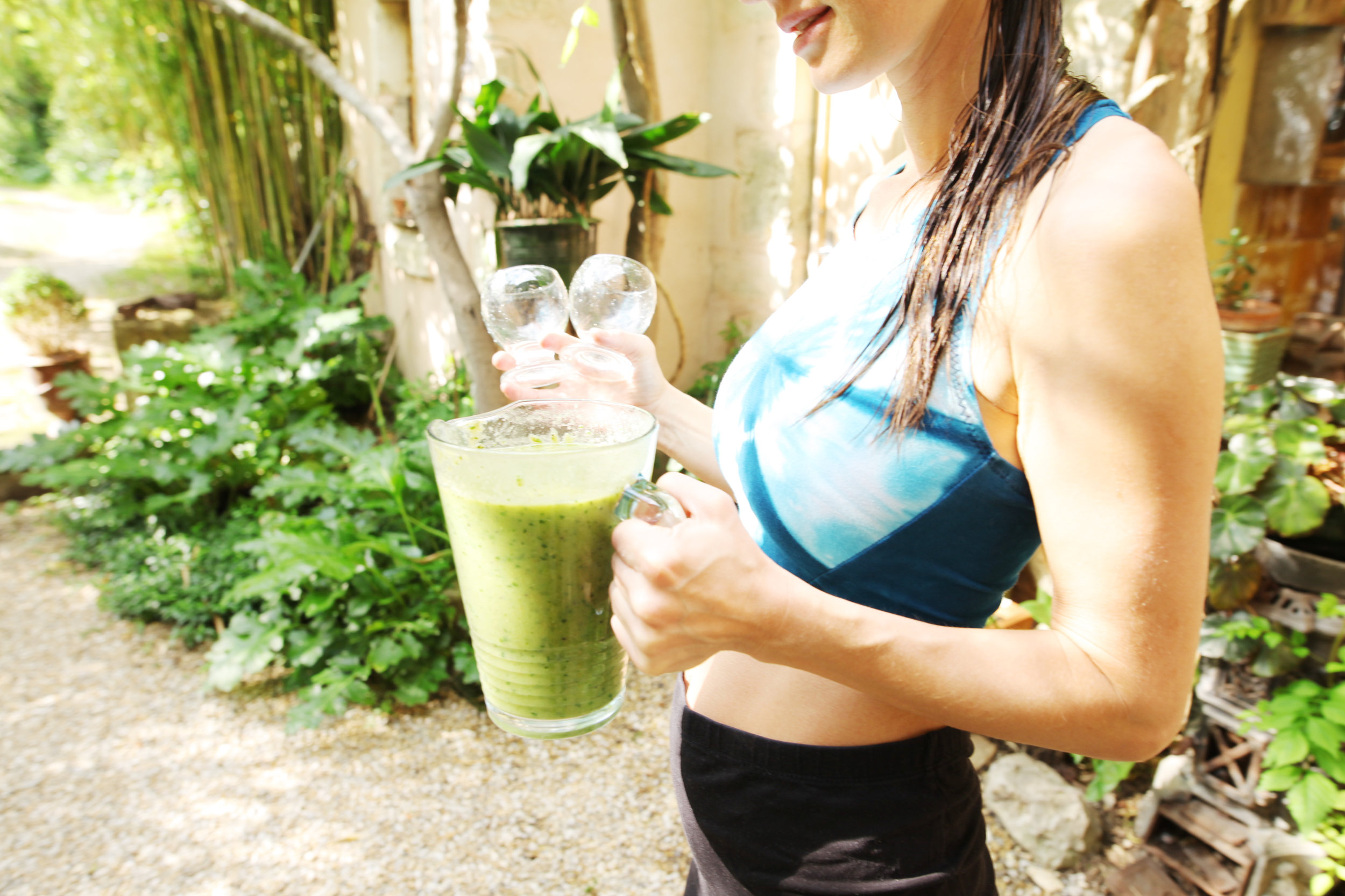 green power smoothie spinach celery cucumber.jpg