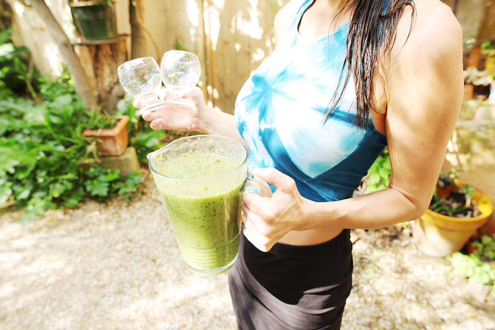 green smoothie cucumber celery spinach.jpg