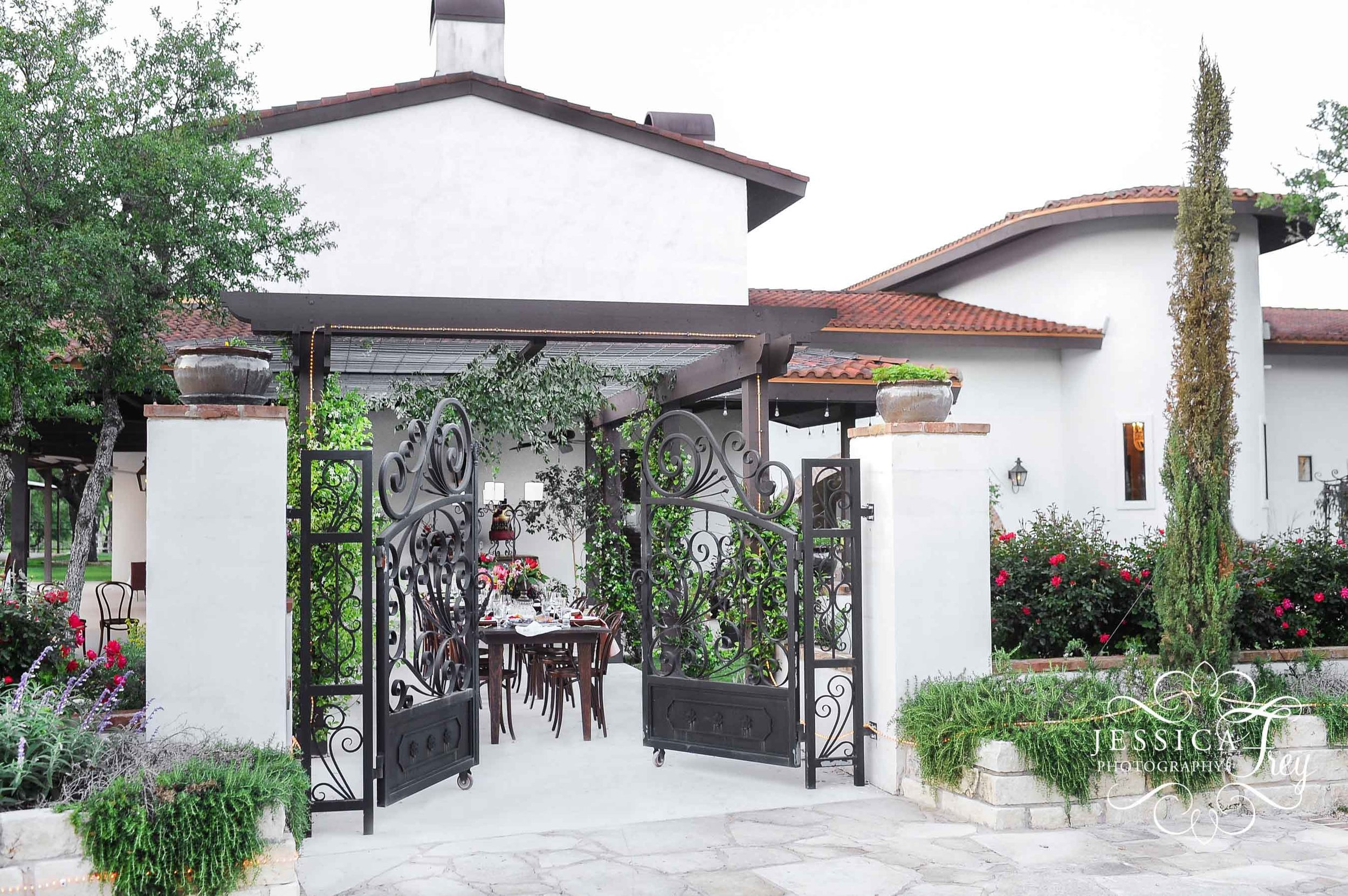Garden-Grove-Spanish-Wedding-jessicafreyphotography-sm-093.jpg
