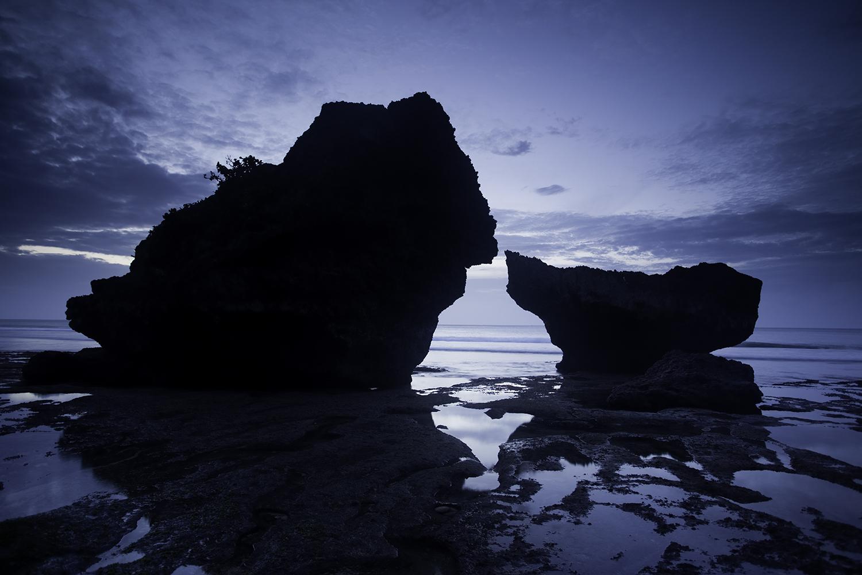 nature_Bali_rock_ocean_8059.jpg