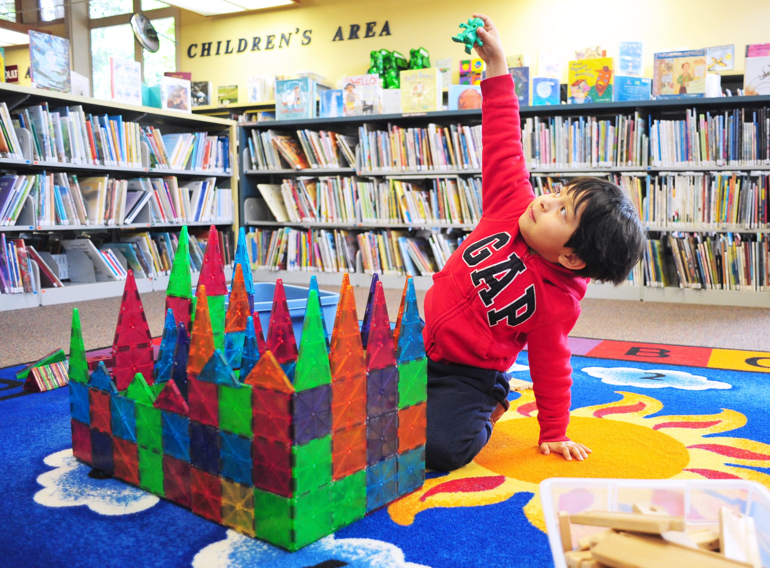 svh-20170510-feature-legos.at.library02 copy.jpg
