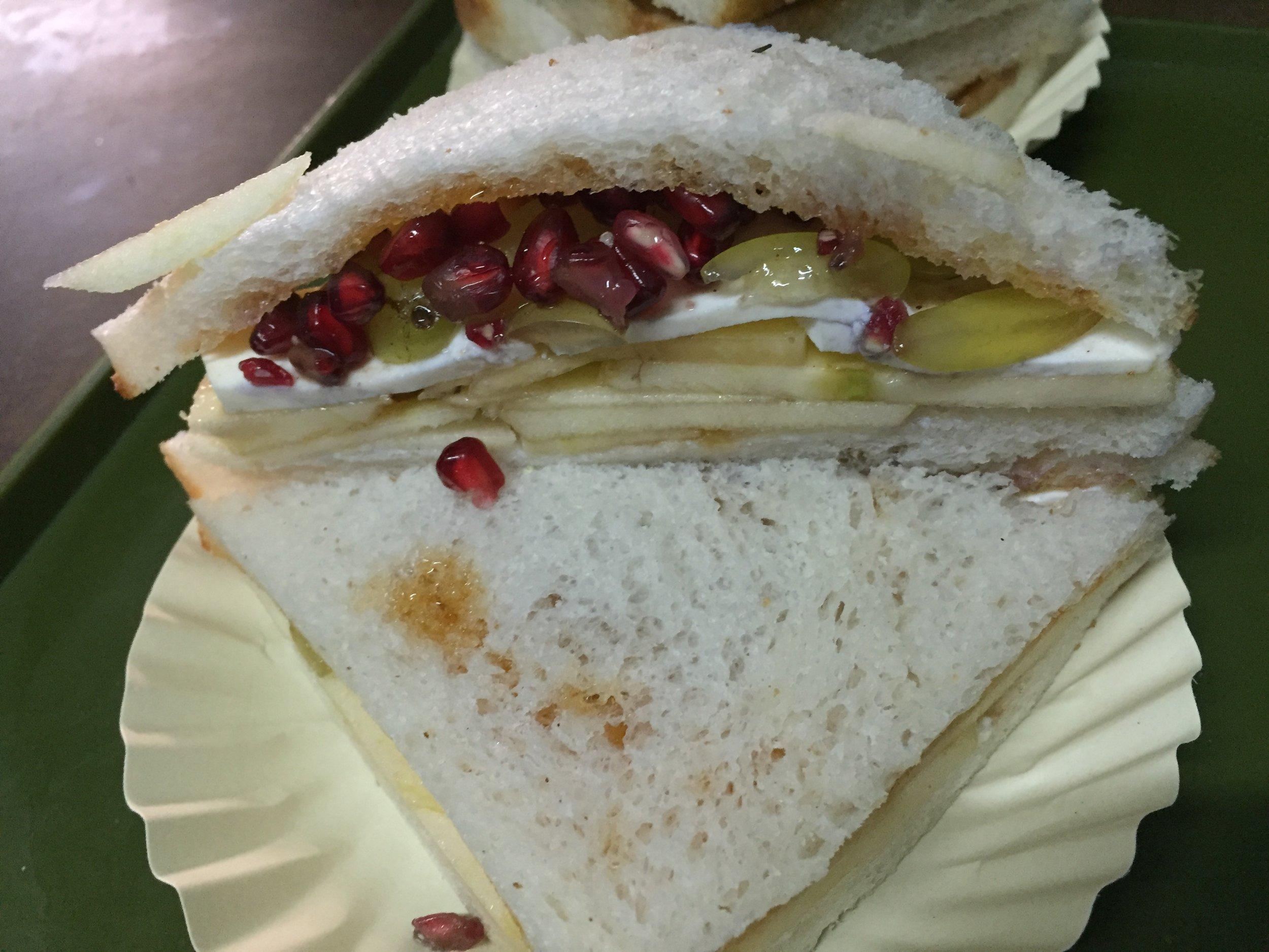 Fresh fruit sandwich in Delhi's Chandni Chowk market