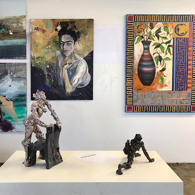 Tak til alle der kiggede forbi ferniseringen igår 🔥 'Two Man Show' udstillingen af @peter_birk  og @garycainart er åben  lørdag 10 - 16 og  søndag 10 - 16  på Mindet 6  #Two #Man #Show #Udstilling #Kunst #Kunstnere #StreetArt #Exhibition #Malerier #Skulpturer #Fernisering