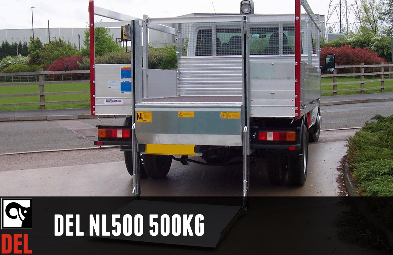 A column lift with 500 kg lifting capacity for dropside/flatbed vehicles