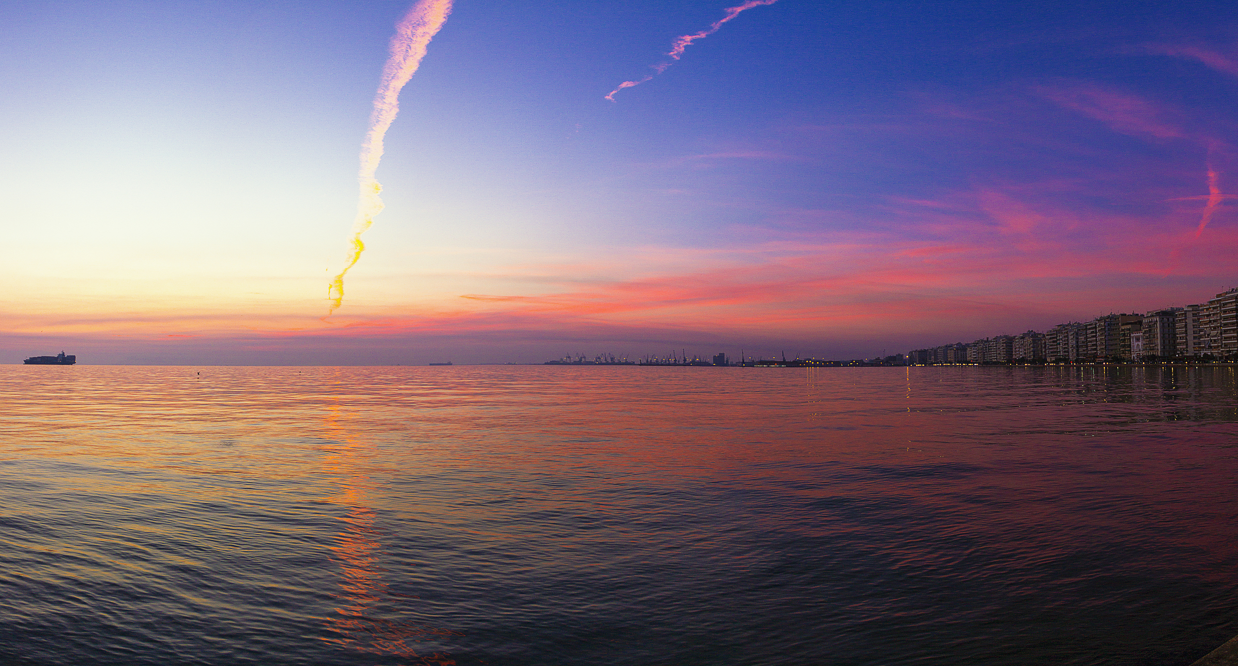 landscape___35____thessaloniki_sea_side_sunset_by_the_french_monkey-d9h3j8s.jpg