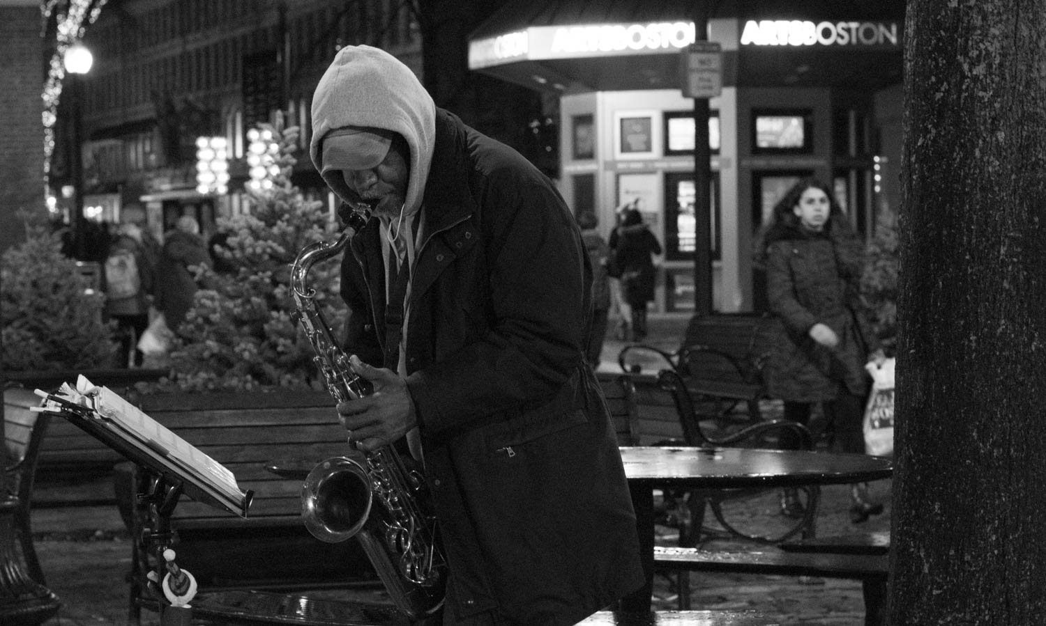 12-24-16 810_1714 Man Sax Boston (1).jpg