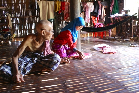 The oldest man in Svay Khleang lost children to the Khmer Rouge