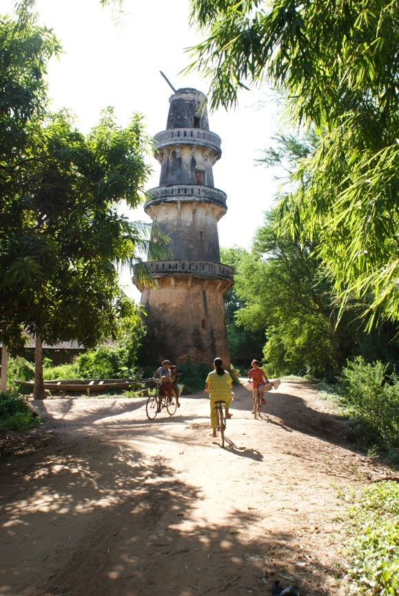 Minaret built in the 19th century, in Svay Khleang, on the Mekong River