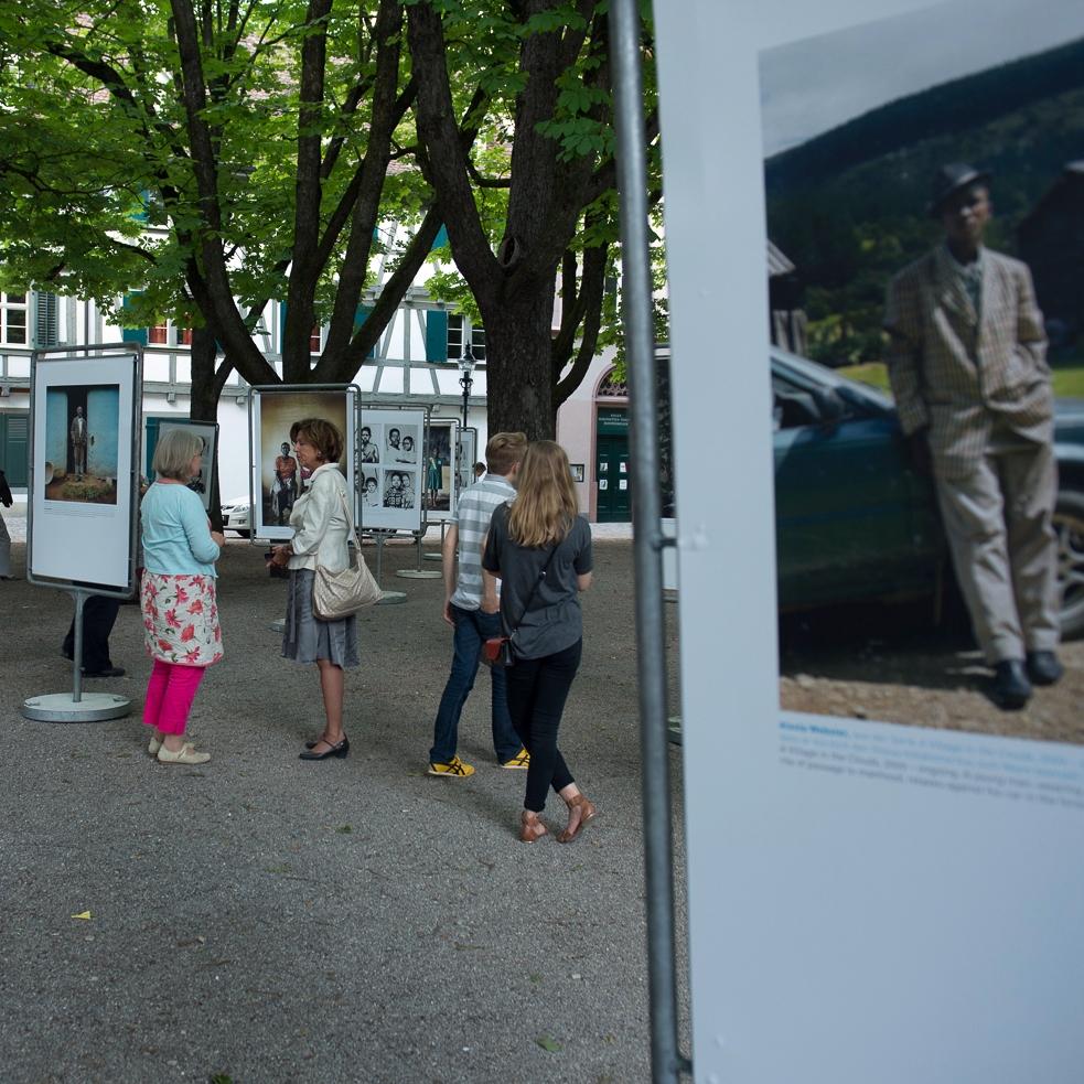 Ausstellungsansicht_Münsterplatz_BaselPOPCAP13_Vernissage_06.jpg