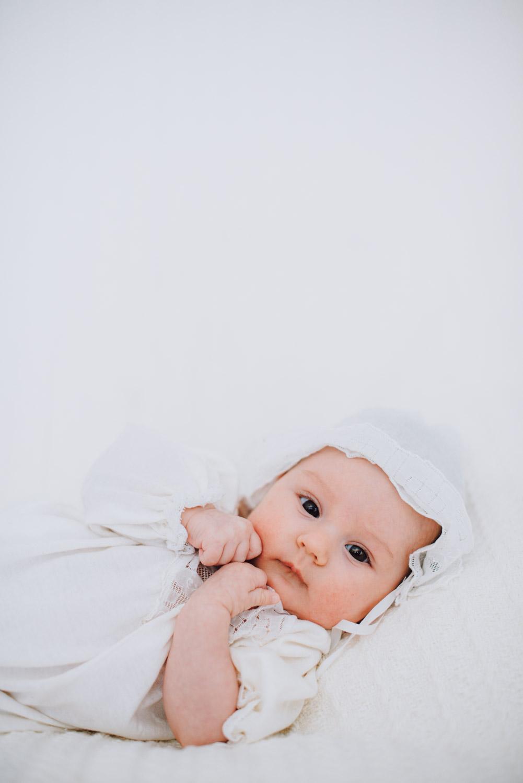 baby-girl-newborn-lifestyle-photography16.jpg