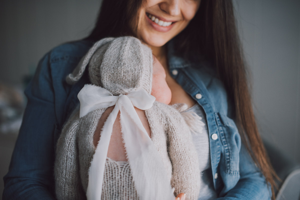 baby-girl-newborn-lifestyle-photography30.jpg