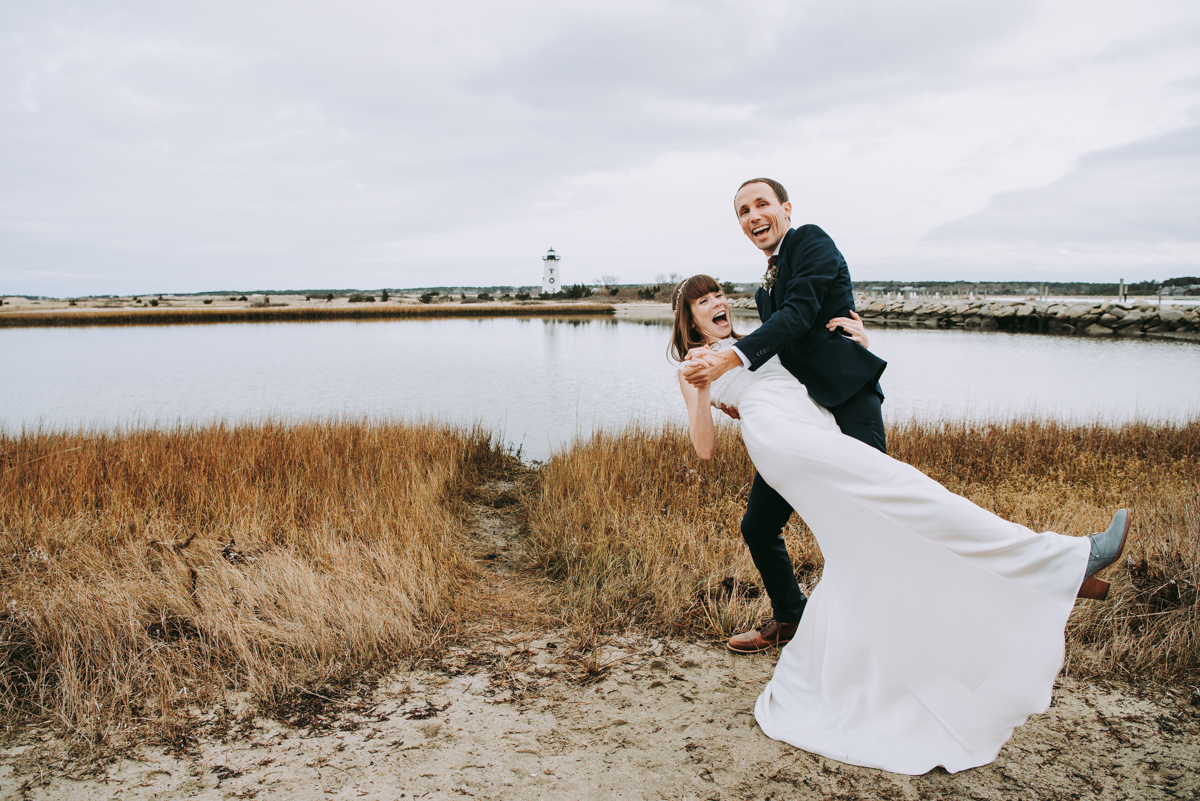 len_lynne_wedding_bride_groom_edgartown_lighthouse-3841.jpg
