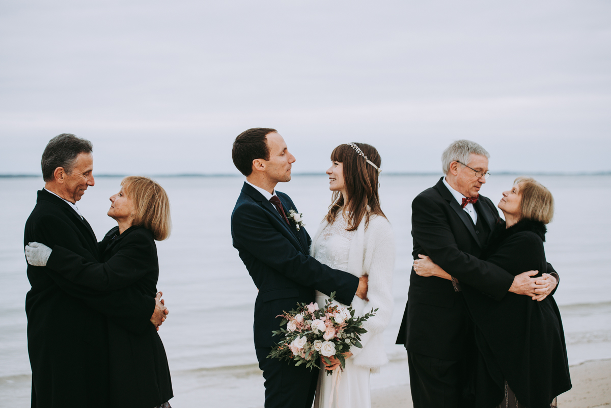 len_lynne_wedding_ceremony_lamberts_cove_beach_west_tisbury-2710.jpg