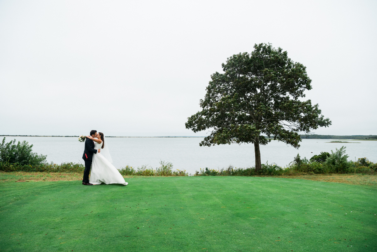 maureen_evan_wedding_fist_look_farm_neck_marthas_vineyard-3362.jpg
