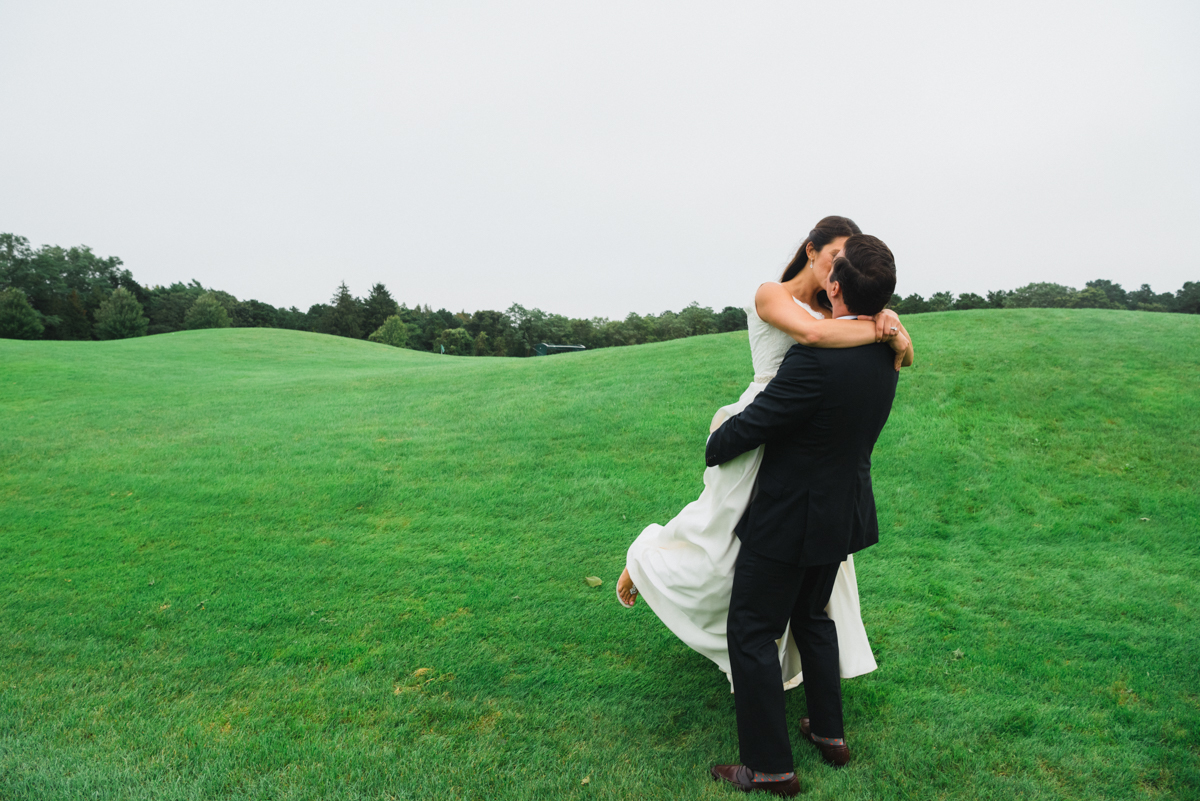 maureen_evan_wedding_marthas_vineyard_bride_groom_farm_neck-3852.jpg