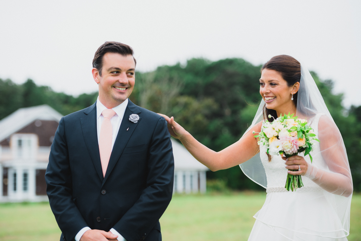 maureen_evan_wedding_marthas_vineyard-8526_first_look_farm_neck.jpg