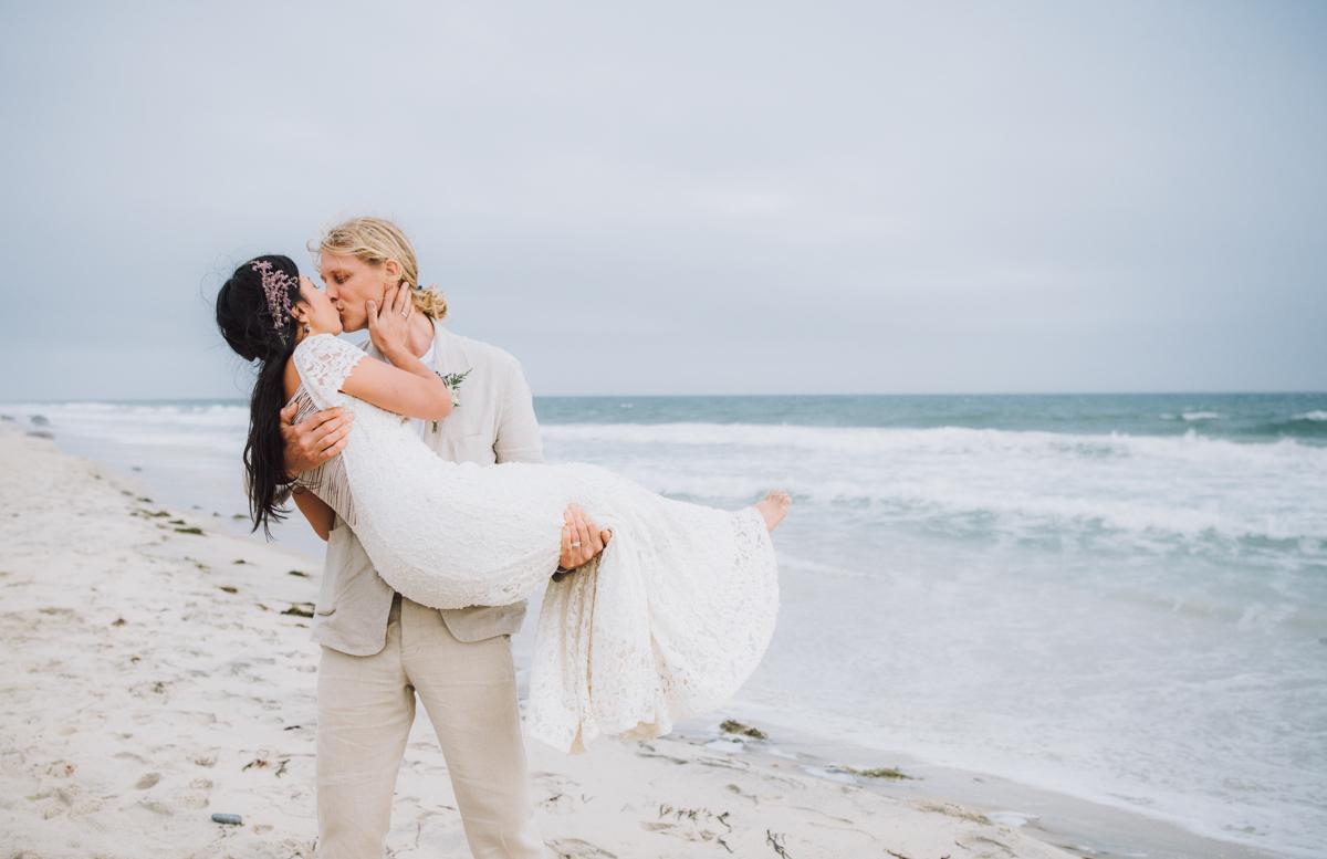 wedding_ceremony_aquinnah_beach-5.jpg