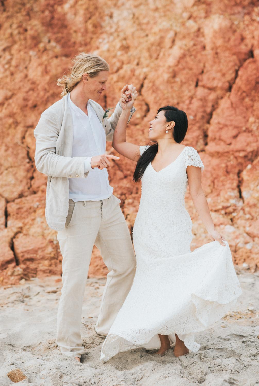 wedding_ceremony_aquinnah_beach-13.jpg
