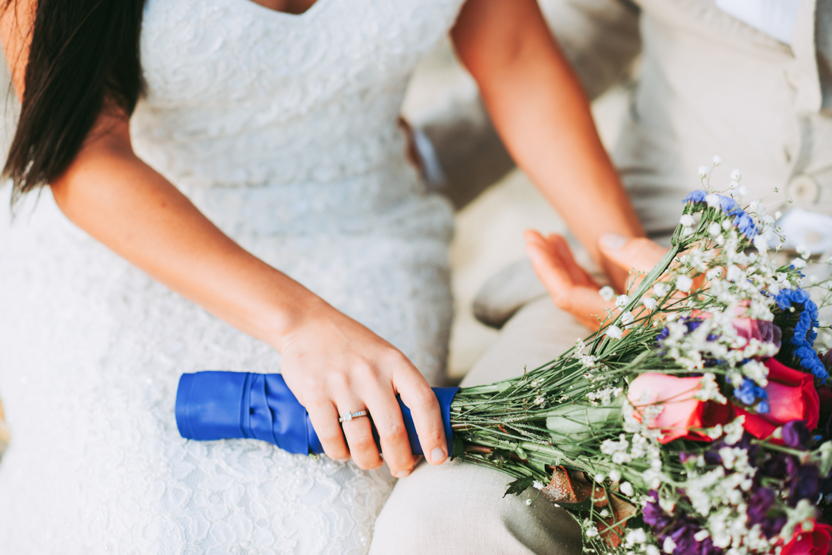 wedding_ceremony_aquinnah_beach-19.jpg