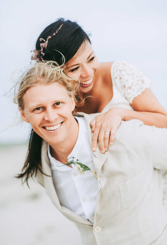 wedding_ceremony_aquinnah_beach-16.jpg