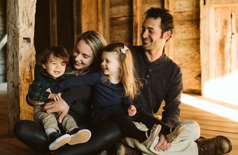 family_portrait_session_marthas_vineyard_photographer-3.jpg