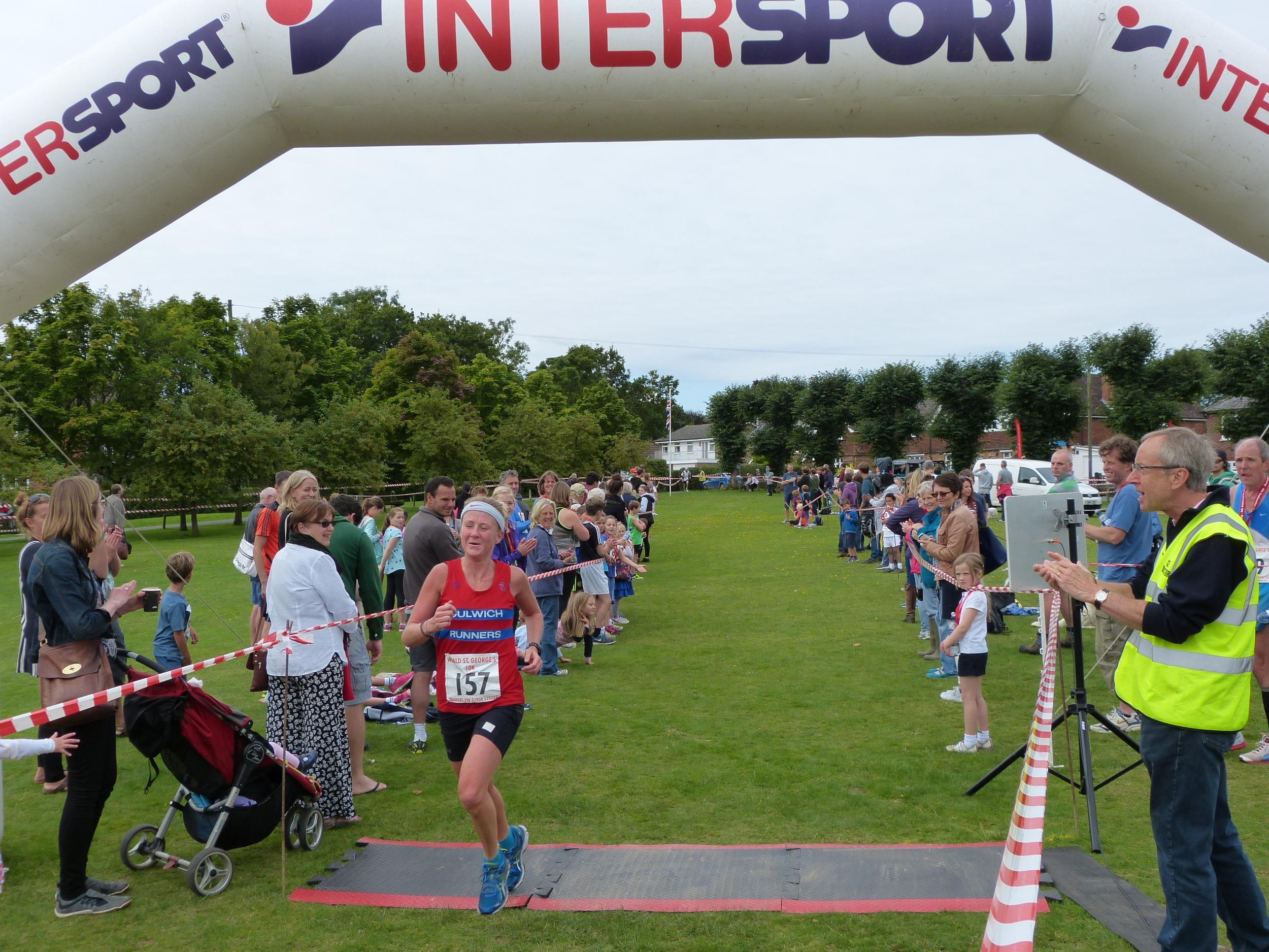 Ladies 2nd place Emily Gelder 00:40:29