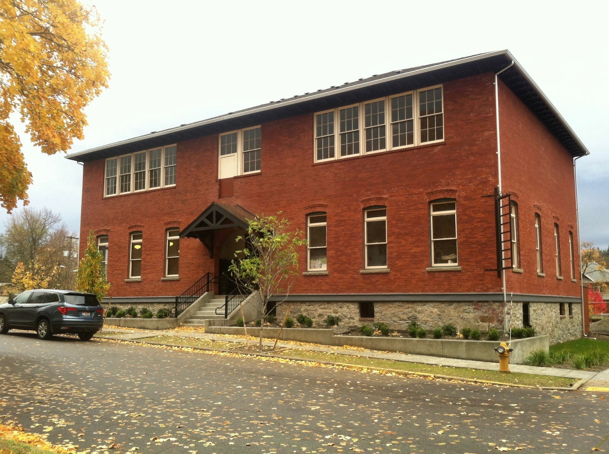 Redbrick Art Studio is located in Suite #2 of the old Central School building in downtown Coeur d'Alene, 602 E Garden Avenue.