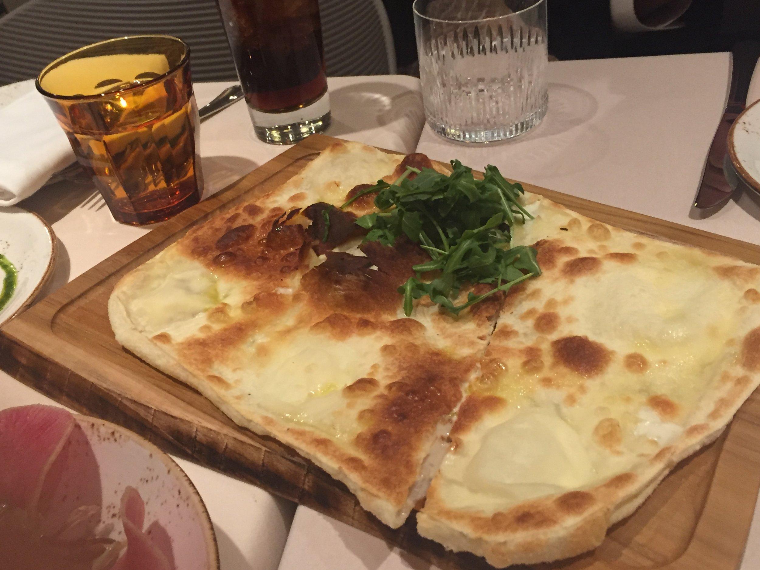 tradizionale - imported crescenza cheese, baby wild arugula, ligurian olive oil