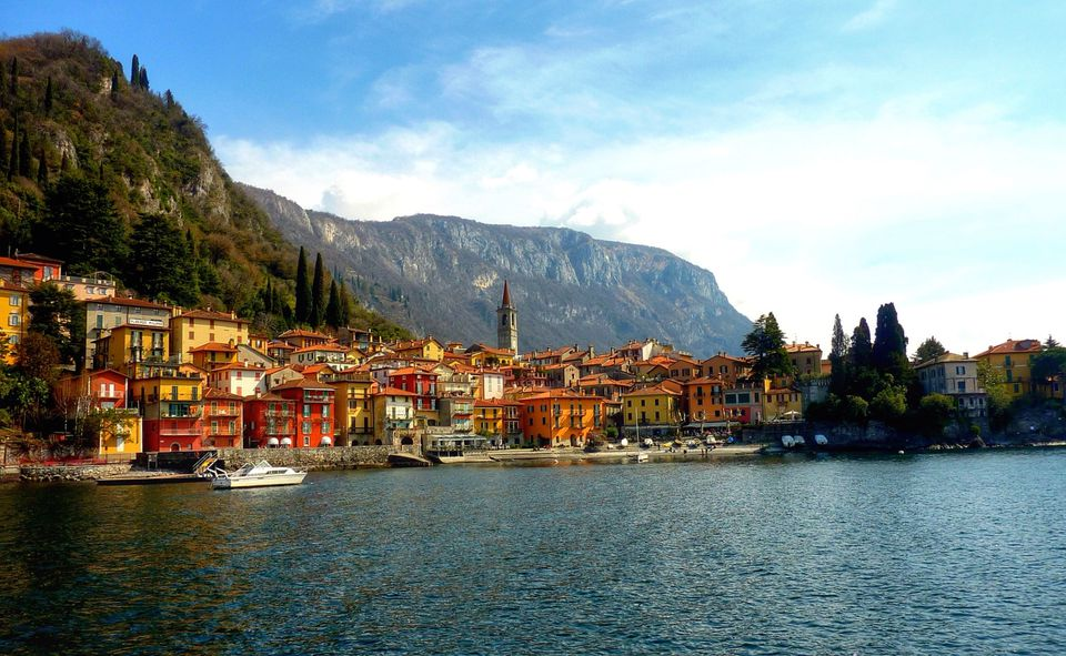 village-on-shores-of-lake-como-with-mountains-in-the-background-553004047-5982568d396e5a0011c9cd2e.jpg