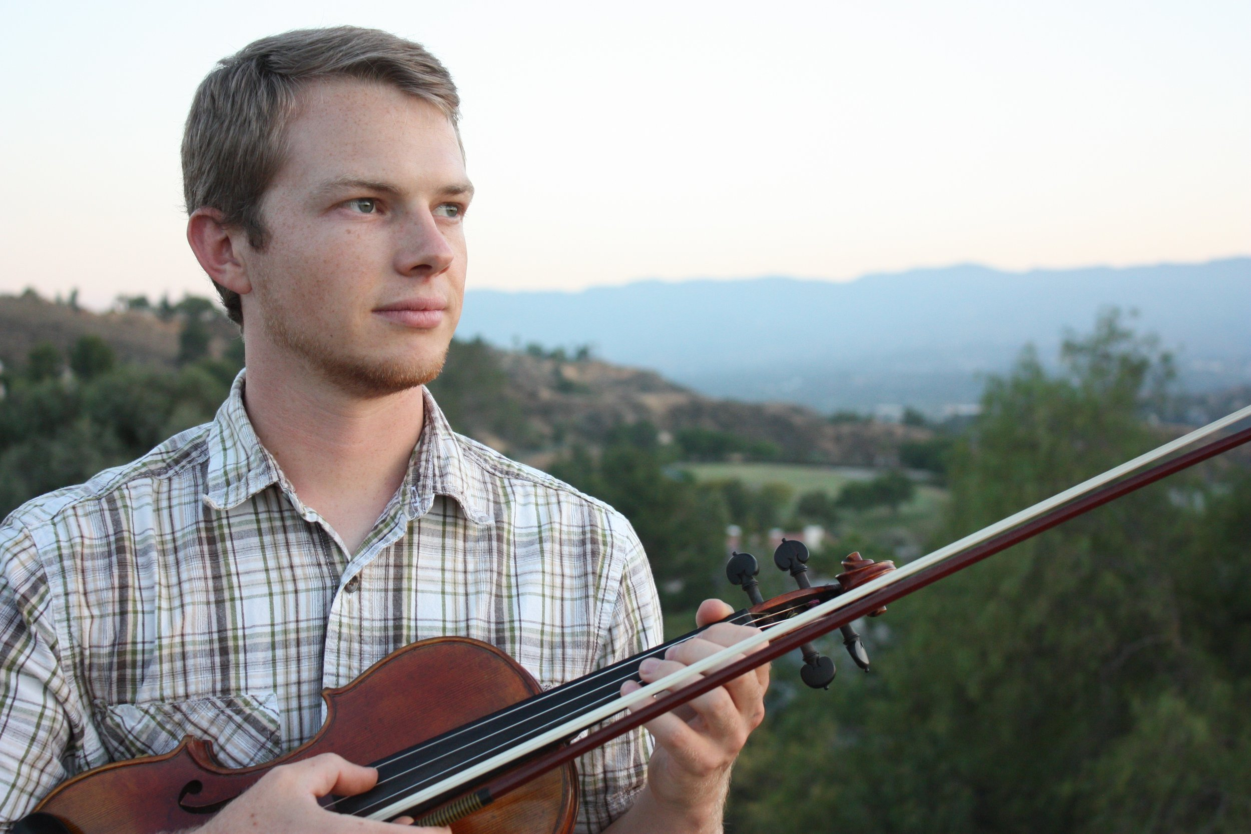 violinist trained at CSUN