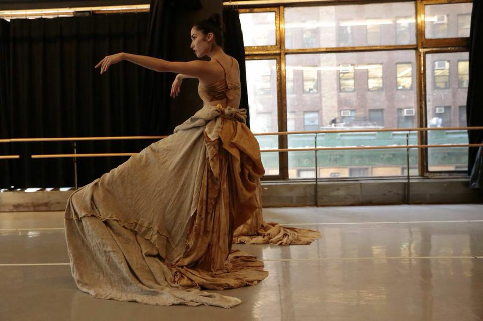 """In studio showing of """"Isles of Dunes"""" Nai-Ni Chen Dance Company  Photo Credit: Federica Dall'Orso Photography"""