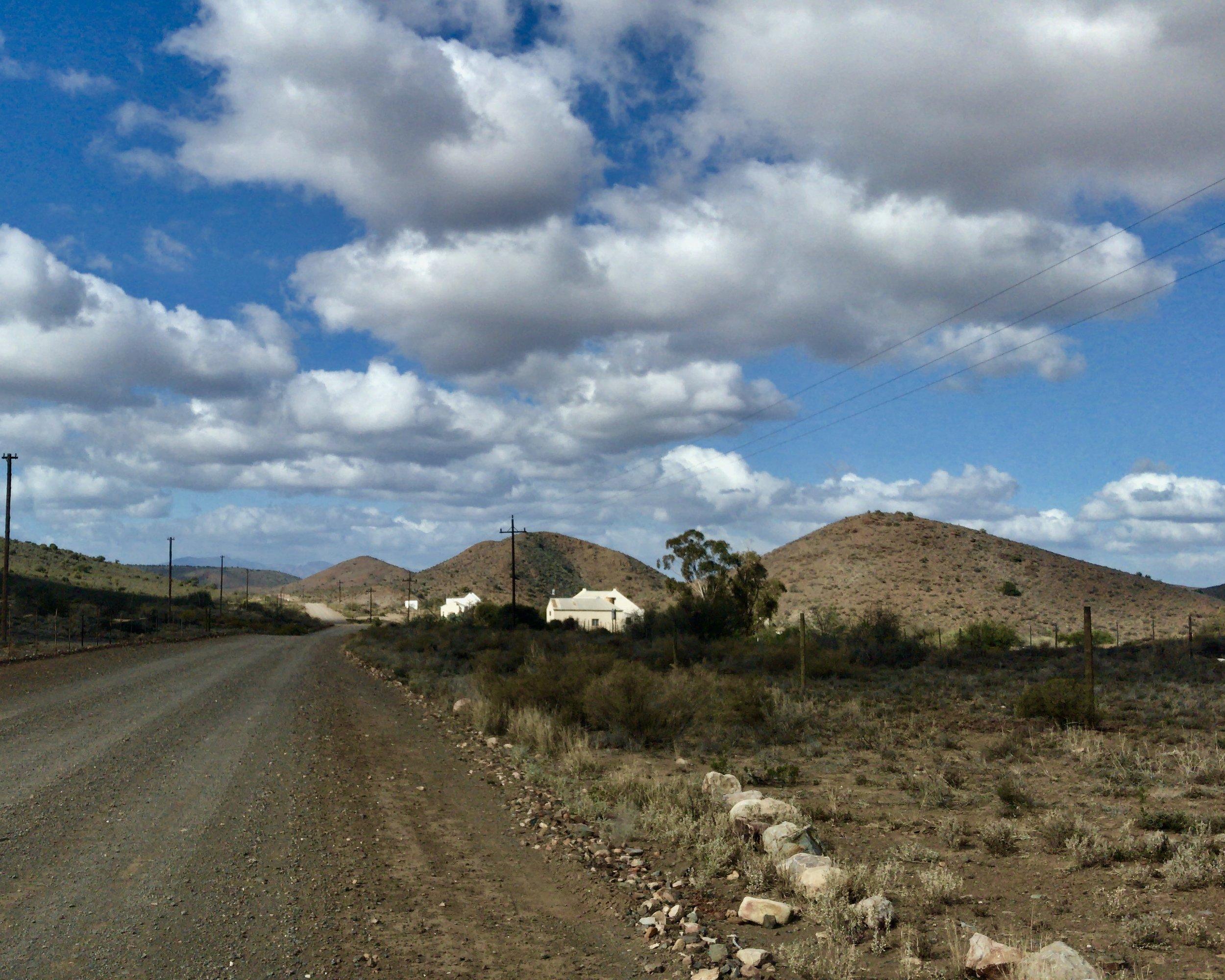 Klein Karoo: Main Road in Plaithus