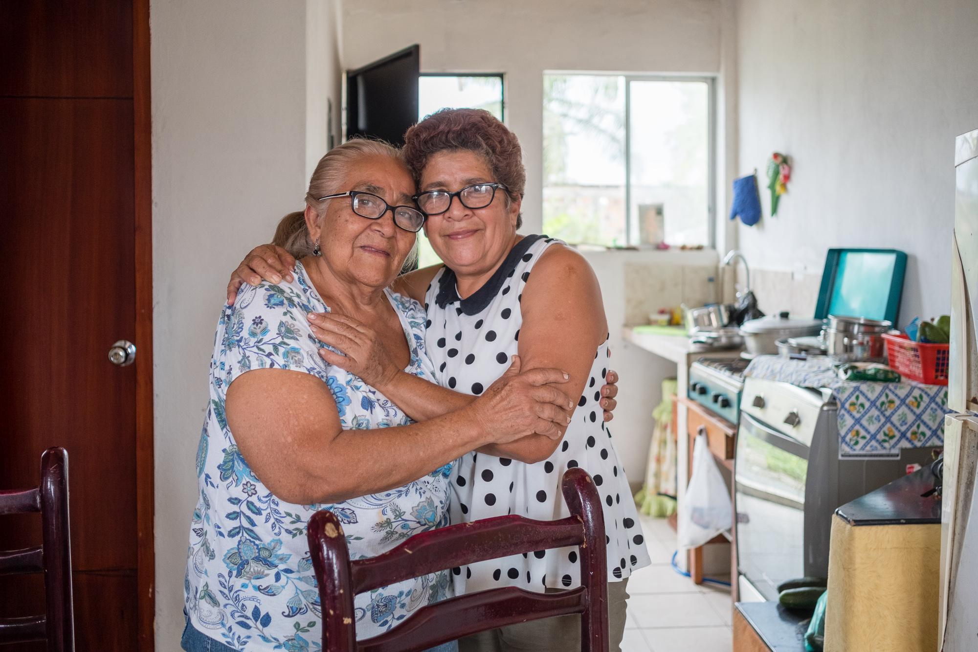 Mother and daughter Pedernales, Ecuador.