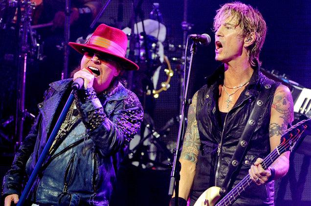 _Axl-Rose-and-musician-Duff-McKagan-perform-2014-billboard-650.jpg
