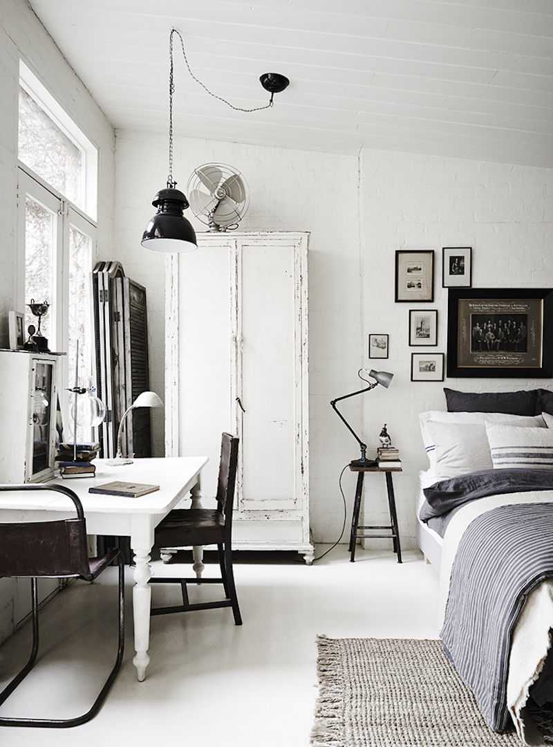 This room combines all of the latest trends, industrial, vintage and white.