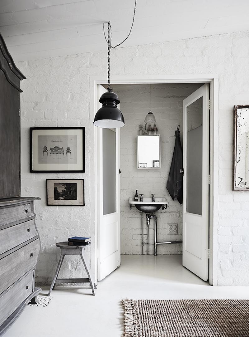 white room aus5.jpg