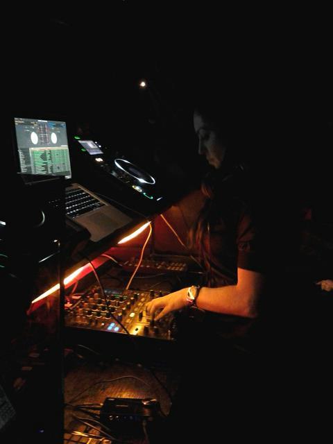 La Zarza DJing.jpg