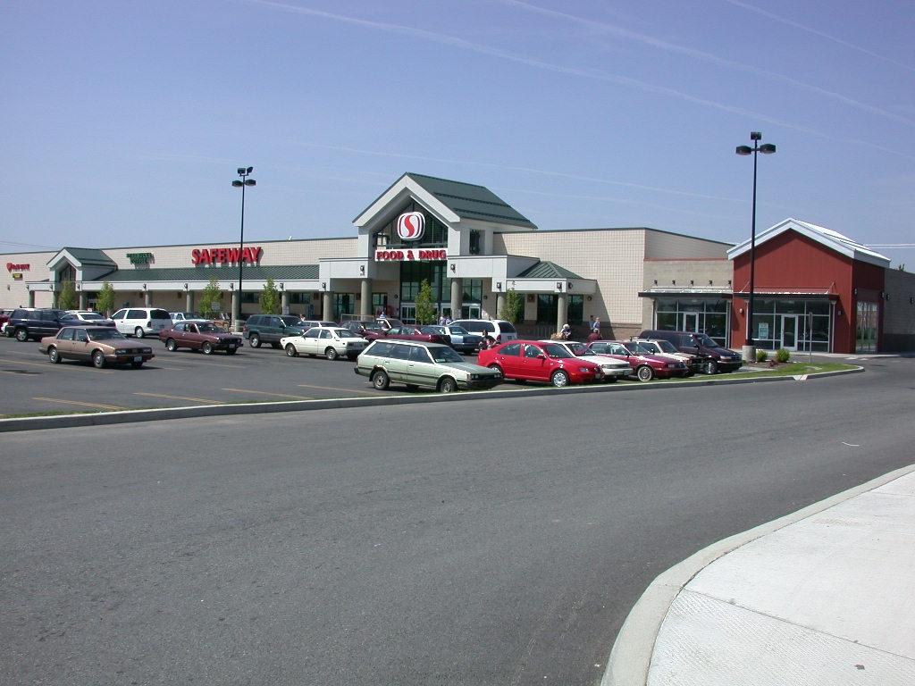 Safeway Marketplace at Hillyard
