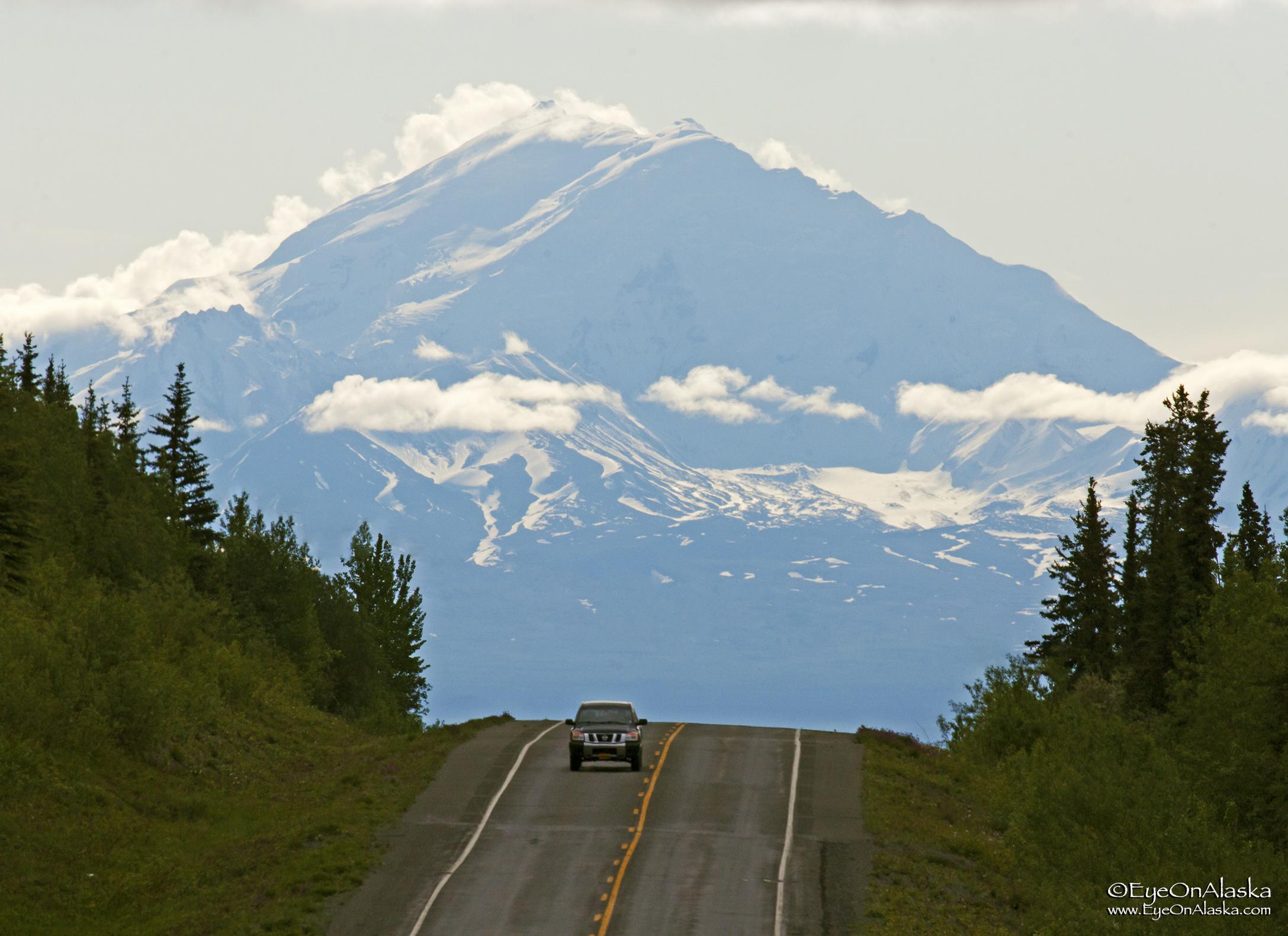 Mount Drum coming into Glennallen