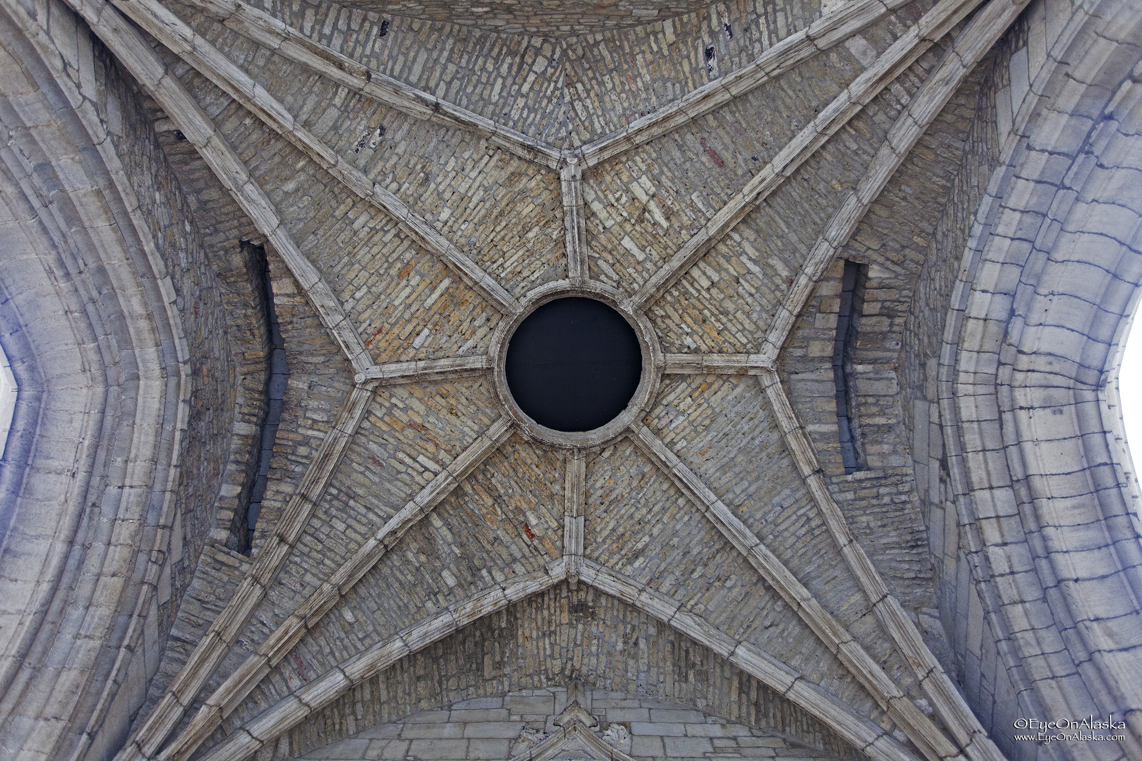 Trivia time. What do you call that hole at the top of a dome? It's the Oculus.