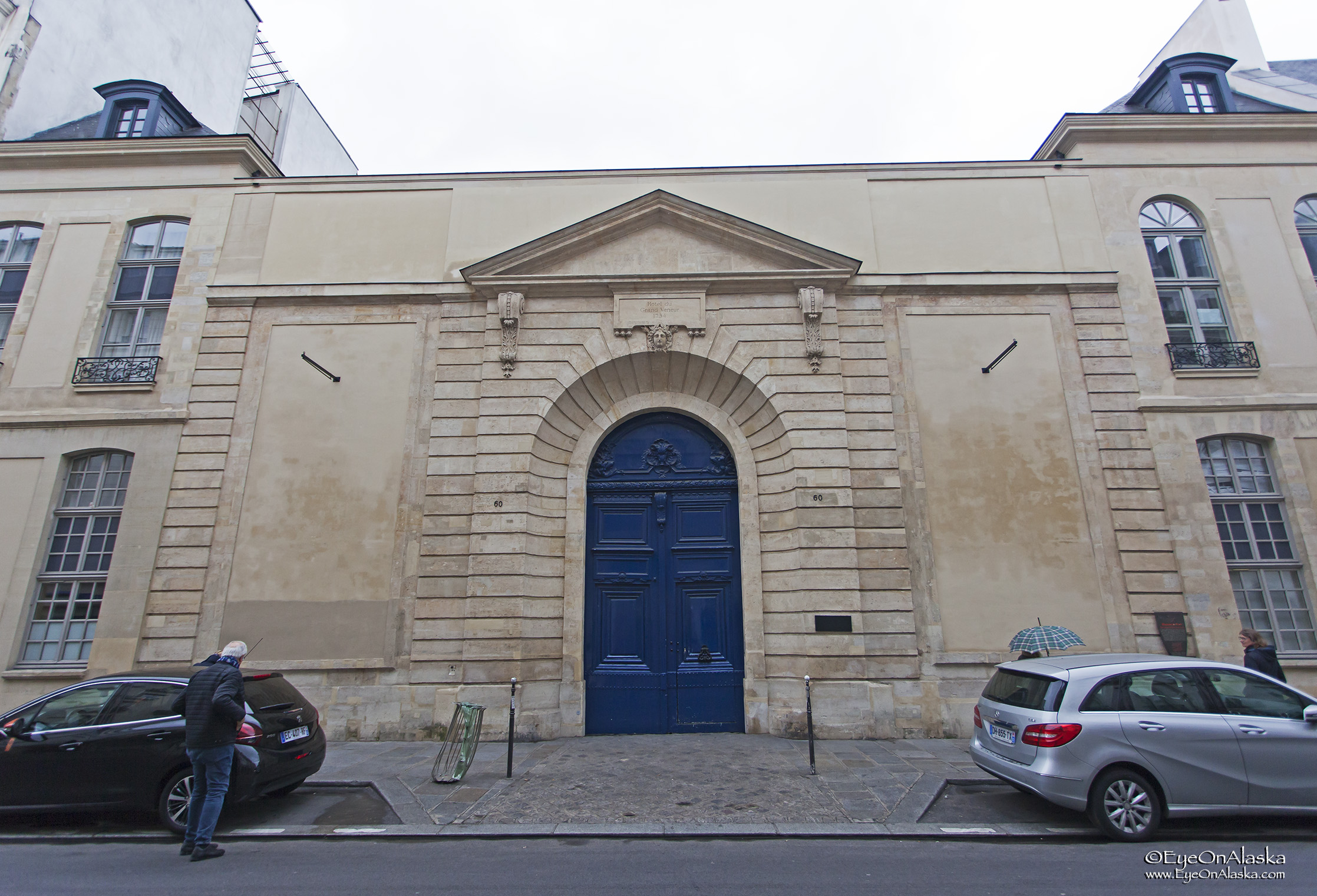 I spent a lot of time behind the blue gate at 70 Rue de Turenne. My Kohler Co. peeps will recognize the former Jacob Delafon Headquarters.
