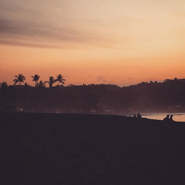 Sunset time in Sayulita #beach #vacations #sunset #love #colours #palmtrees #ocean #sayulita #behappy #explore #relax #hotel #villasayulita #yoga #everyday #allinvited #breakfast #open #every #morning #joinus