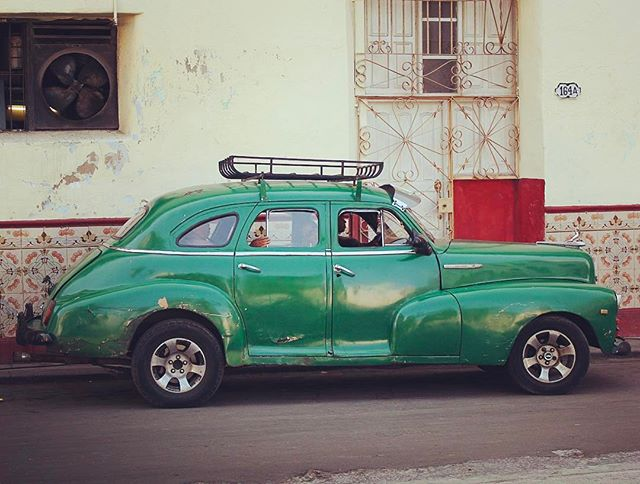 You've got to love Havana's classic cars #cuba #classiccars #vintage #vintagecar #photography #almendron #cuba🇨🇺 #havana #habana