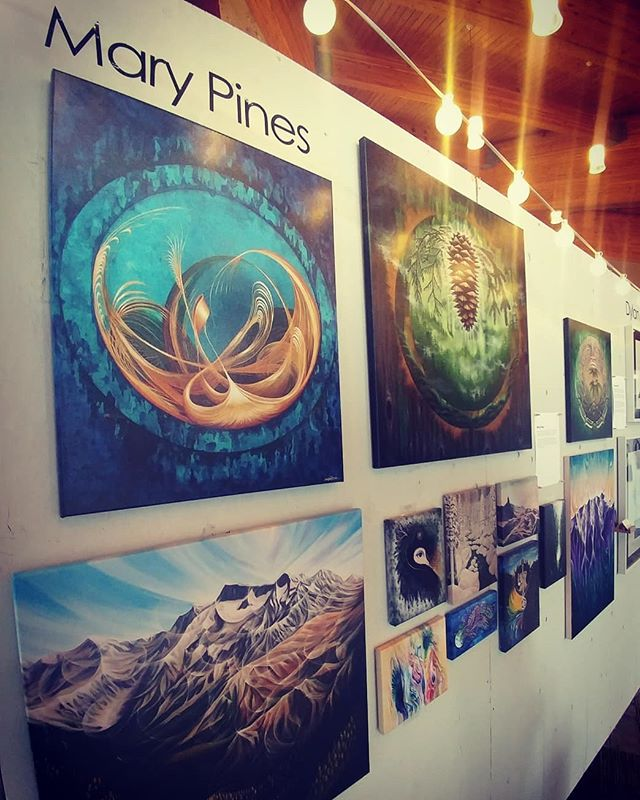 ✨Last day for the Art & Soul Gallery @ the World Ski & Snowboard Festival!✨ We're closing it out with a big party from 4-7pm today: DJs, contests, cash bar and a chance to mingle with some really amazing artists from all over BC!  Follow the EPIC 20-piece band, MarchForth (playing free at the base of Whistler!) to the gallery at the conference centre at the closing of their set @ 4pm. ❤🌈🍻 Sunday Fun Day!! . . . #ArtxSoulxWSSF @wssf #seatosky #whistler #blackcomb #artist #whistlerblackcomb #art #mountainlife #mountainlove #mountainculture #onlyinwhistler #whistlerart