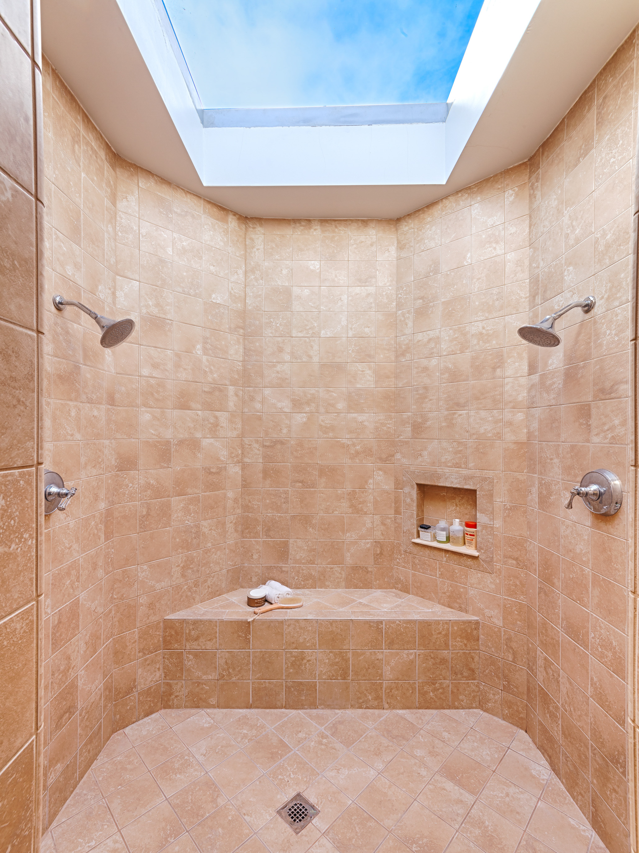 studio-malibu-woodshed-recording-residence-home-two-shower