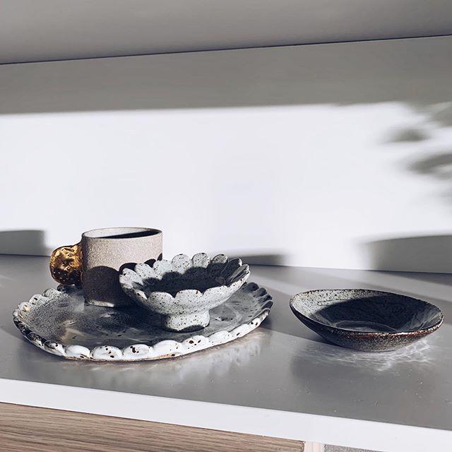 Shadow play in my kitchen ~ beautiful light dancing over my @bridgetbodenham ceramics from my fave @scoutstkilda #interiors #interiorstyling #design #interiordesign #treasures #ceramics