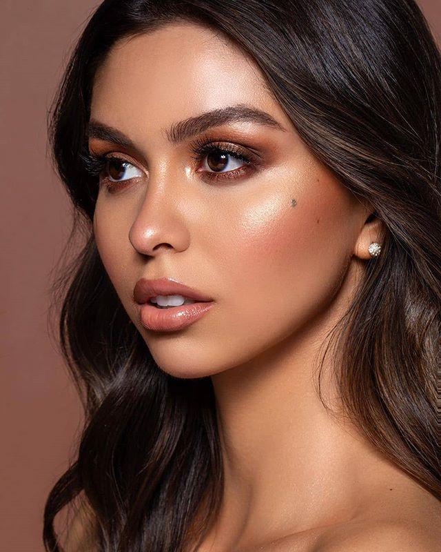"@beautybychloe__ Glowy & Smokey ✨ Model: @carolinaaurrea  Photo: @domoshotme  Makeup: #beautybychloe__ Hair: @treehousehair  B R E A K D O W N / /  Eyes:  @doseofcolors baked browns @elciecosmetics ""garnet"" on the lids @elciecosmetics ""sol"" highlighter on the inner corner @urbandecaycosmetics ""scorch"" 24/7 eyeliner in the waterline @revealbeauty faux silk individual lashes  Skin: @lancomeofficial tient idole ultra wear foundation @tartecosmetics shape tape concealer @ctilburymakeup easy contour wand @guerlain terra-cotta bronzer medium brunettes @beccacosmetics ""snapdragon"" blush #elciecosmetics ""sol"" eclipse highlighter  Lips: @kyliecosmetics ""candy k"" lipliner @ctilburymakeup ""Penelope pink"" lipstick @doseofcolors ""over the top"" lip gloss . . . #makeup #makeupartist #mua #lamua #losangelesmua #losangelesmakeupartist #model #smokeyeye #editorial #kyliecosmetics #doseofcolors #ctilburymakeup #beccacosmetics #lancomeofficial #urbandecay #urbandecaycosmetics #tartecosmetics #glam #ghalichiglam #beauty #hudabeauty #fullglam #bronzeglam Reposted from @beautybychloe__"