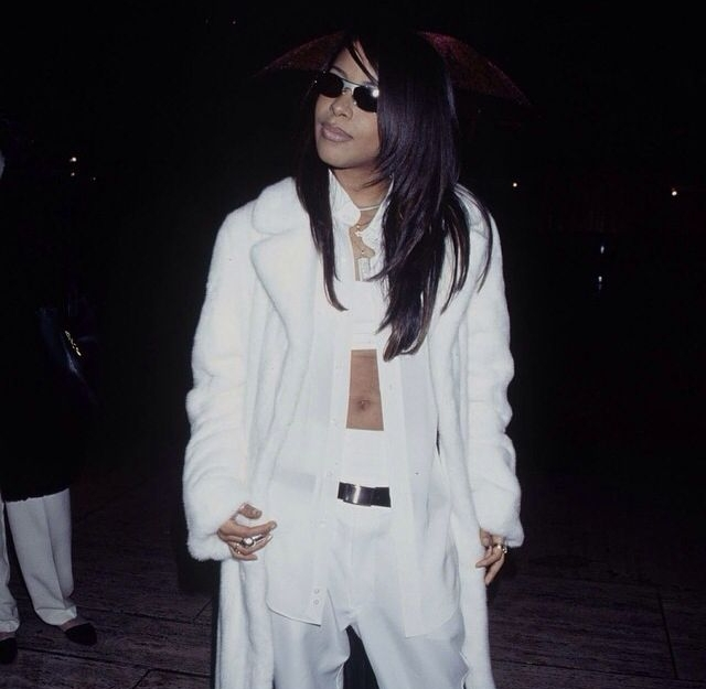 A master of proportions, Aaliyah would regularly wear fitted crop tops under baggier, oversized clothing.