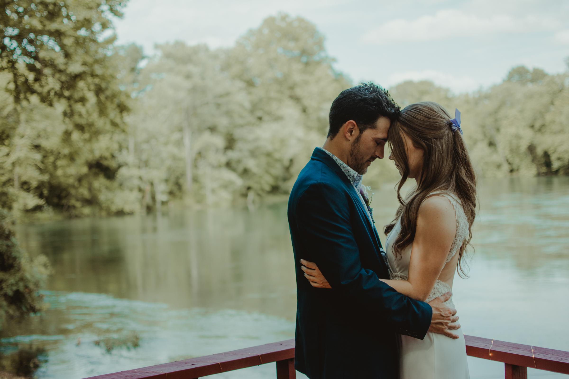 lake-house-wedding-layze-river-heber-springs-arkansas