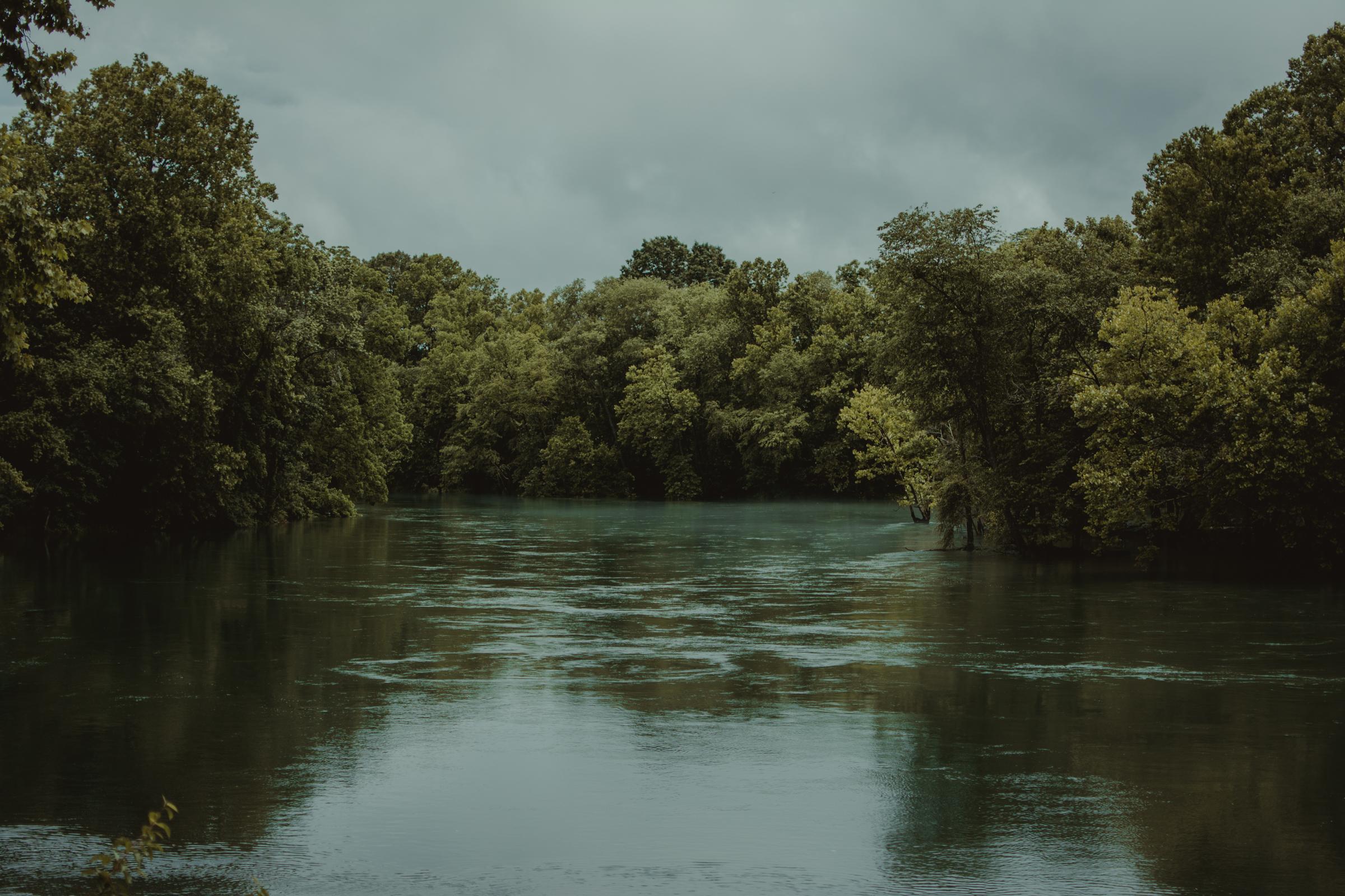 heber-springs-lake-wedding-layze-river-house